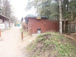 Туалеты в лесопитомнике в Токсово